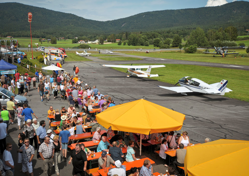 Flugfest-am-Flugplatz-Arnbruck-Foto-Hans-Weiss.jpg