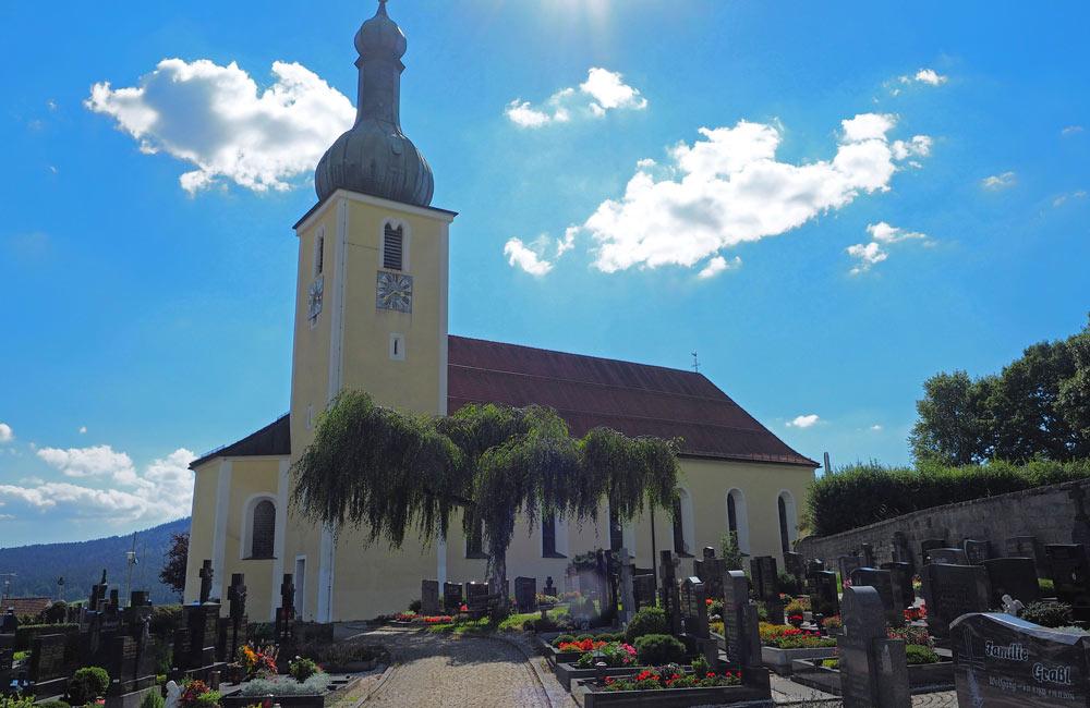 Pfarrkirche-St.-Bartholomaeus-Foto-Hans-Weiss.jpg